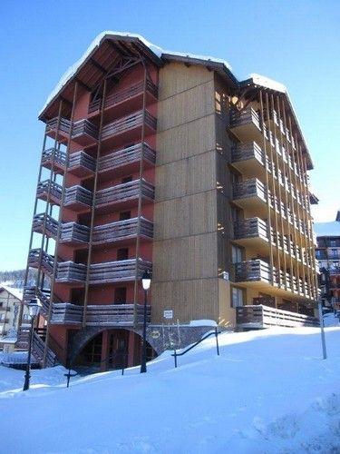 Vue extérieure de la location Location Appartement 75018 Risoul 1850