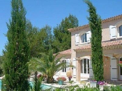 Vue extérieure de la location Location Villa 76063 Avignon