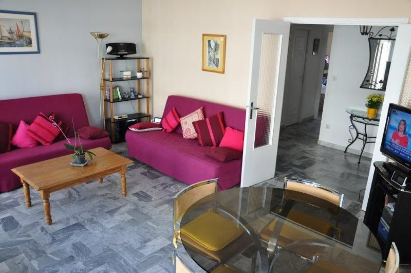 Salon Location Appartement 83540 Nice