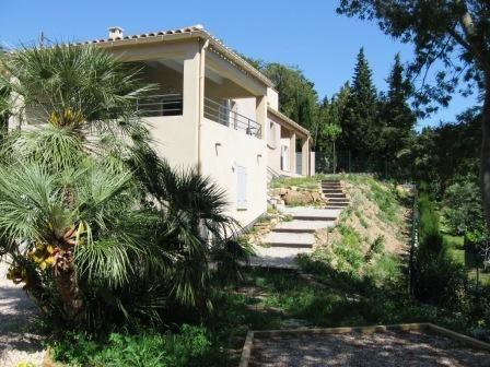 Vue extérieure de la location Location Villa 89455 Le Lavandou