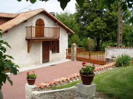 Vue extérieure de la location Location Maison 13032 Ribérac