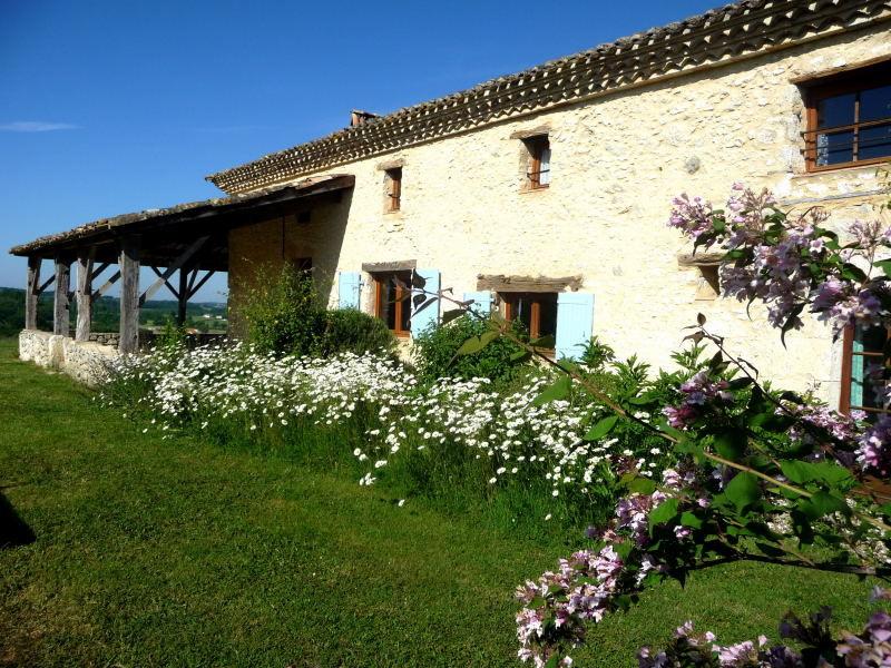 Vue extérieure de la location Location Maison 15380 Monpazier