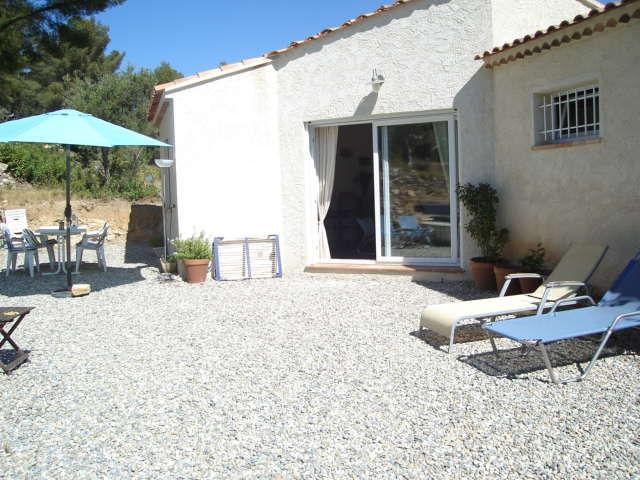 Vue extérieure de la location Location Villa 16237 Sanary