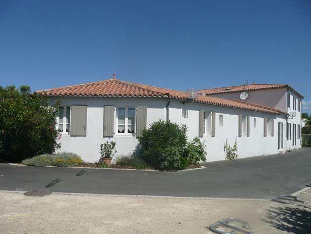 Vue extérieure de la location Location Maison 17085 La Flotte en Ré