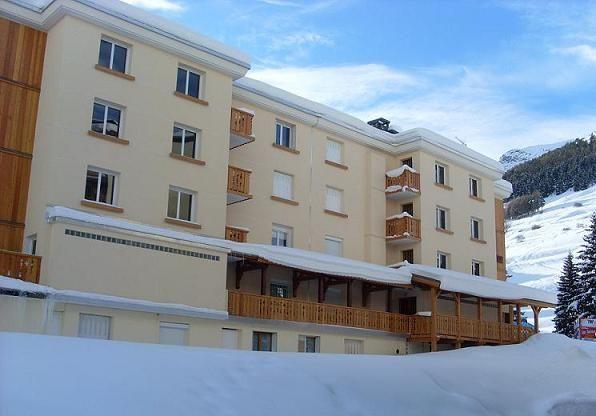 Vue extérieure de la location Location Appartement 17219 Les 2 Alpes