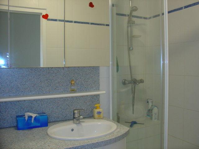 Salle d'eau Location Appartement 20450 Royan