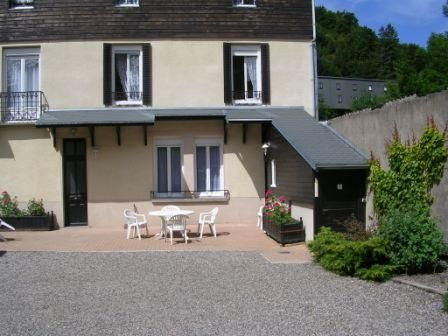 Vue extérieure de la location Location Appartement 38684 Le Mont Dore