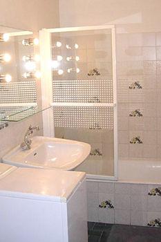 salle de bain Location Studio 40335 Bandol
