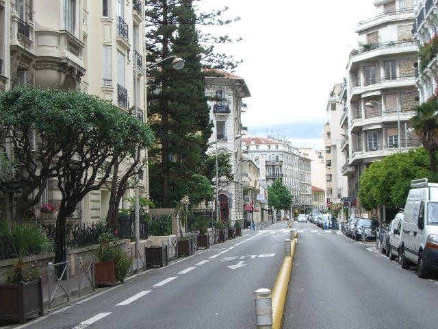 Vue extérieure de la location Location Appartement 49801 Nice