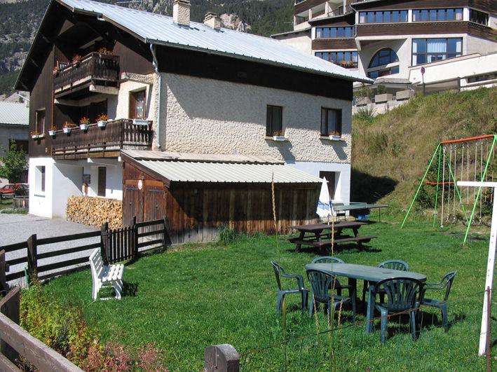 Vue extérieure de la location Location Studio 561 Ceillac en Queyras
