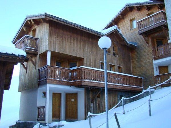 Vue extérieure de la location Location Chalet 58607 La Plagne