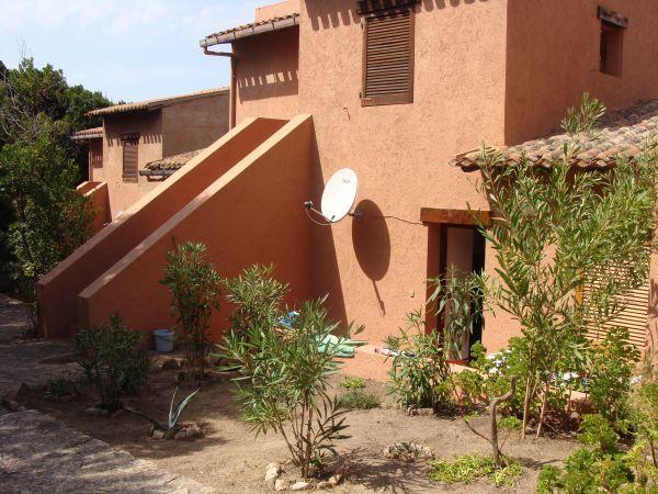 Vue extérieure de la location Location Appartement 58656 Trinità d'Agultu e Vignola