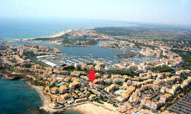 Vue extérieure de la location Location Studio 6162 Cap d'Agde