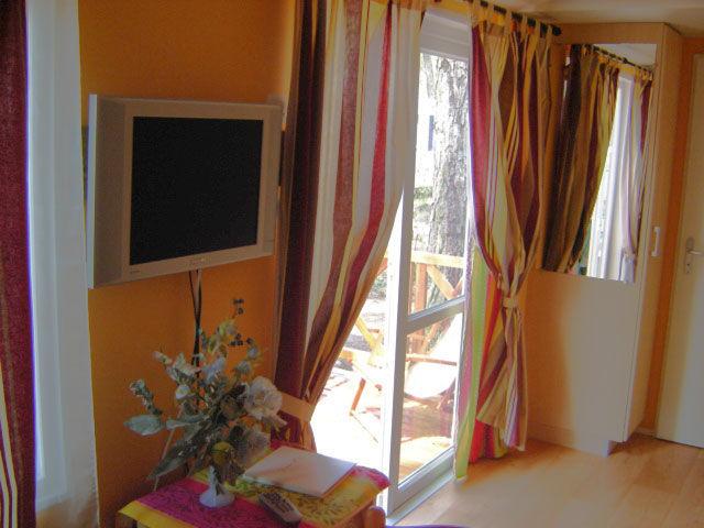 Salon Location Mobil-home 8476 Fréjus