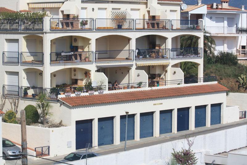 Vue extérieure de la location Location Appartement 75557 Llança