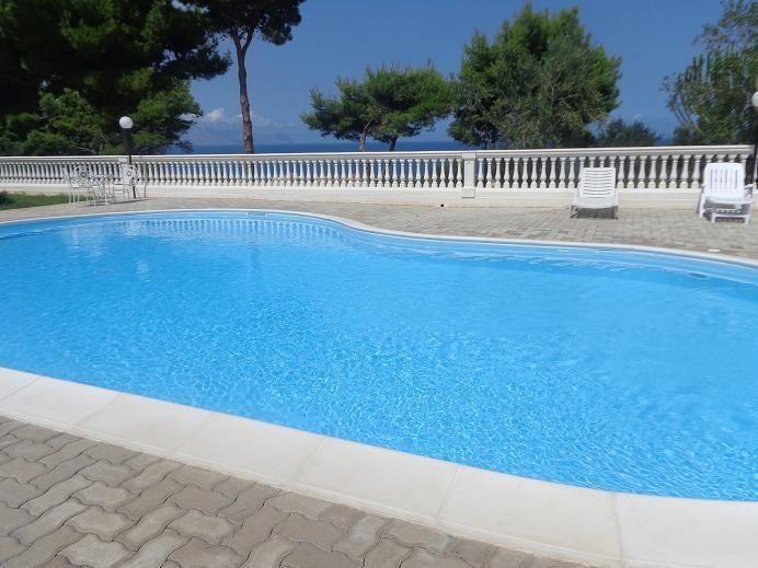 Piscine Location Villa 81909 Trappeto
