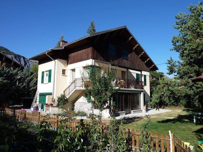 Vue extérieure de la location Location Appartement 79291 Barcelonnette