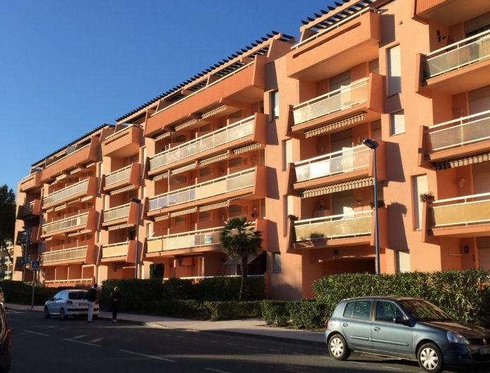 Vue extérieure de la location Location Appartement 94925 Bormes Les Mimosas