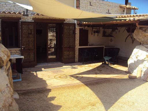Vue extérieure de la location Location Appartement 80627 Scopello