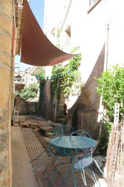 Cour Location Maison 78845 Cotignac