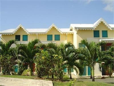 Vue extérieure de la location Location Appartement 66397 Sainte Anne (Guadeloupe)