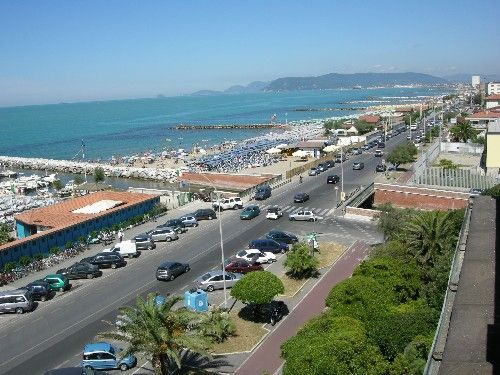 Vue à proximité Location Appartement 72407 Marina di Massa
