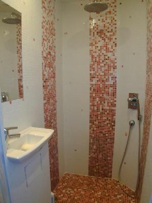 Salle d'eau 1 Location Maison 88875 Biarritz