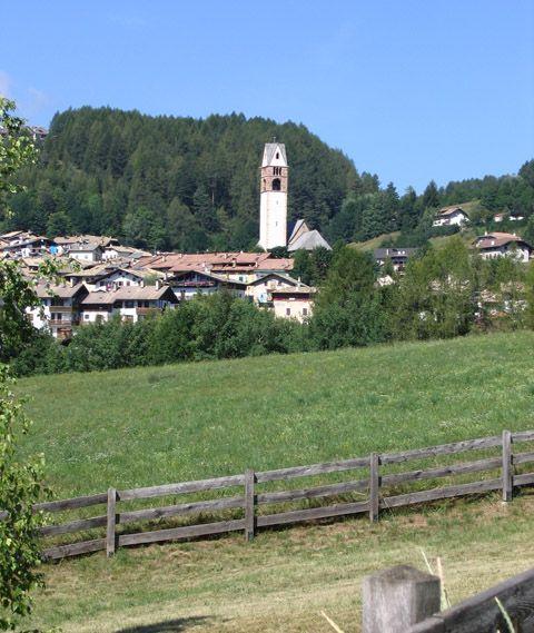 Vue à proximité Location Appartement 91170 Val di Fiemme