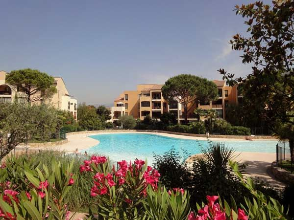Piscine Location Appartement 84021 Cannes