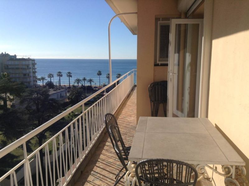 Terrasse Location Appartement 104812 Cannes
