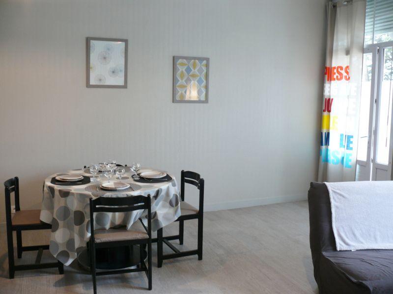 Salle à manger Location Appartement 107051 Dinard