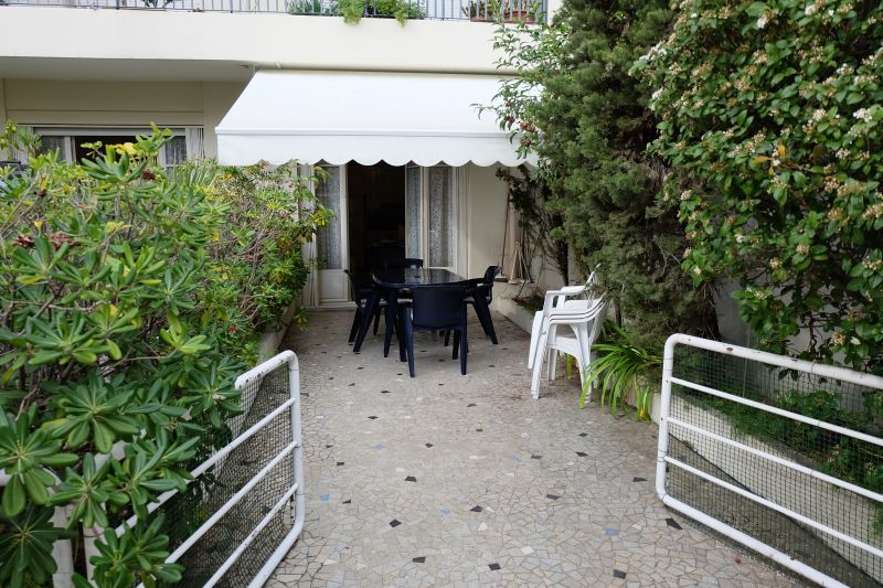 Terrasse Location Appartement 108835 Nice