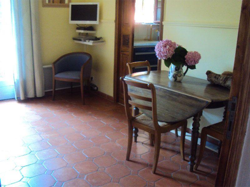 Salon Location Appartement 110369 Saint Tropez