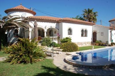 Vue extérieure de la location Location Villa 113957 Miami Playa
