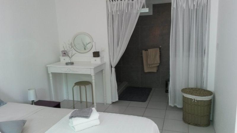 chambre Location Appartement 116020 Sainte Anne (Guadeloupe)