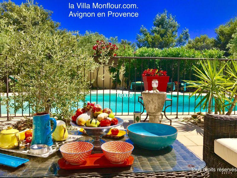 Piscine Location Villa 76063 Avignon