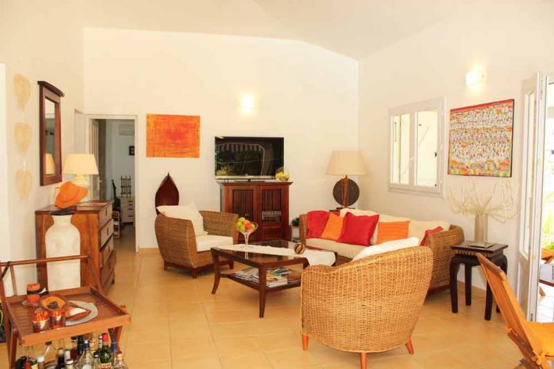 Salle à manger Location Villa 77624 Gosier (Guadeloupe)