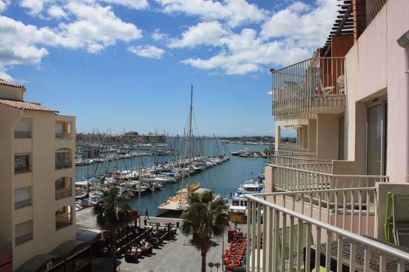 Vue extérieure de la location Location Studio 85670 Cap d'Agde