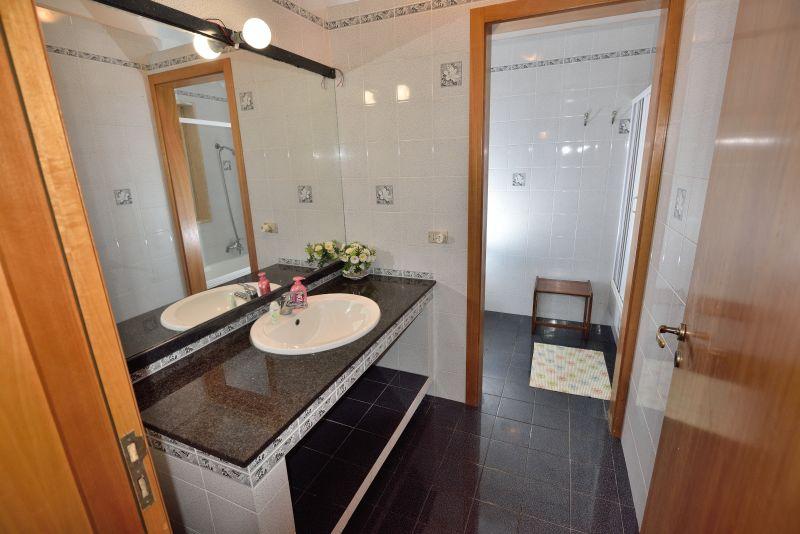 salle de bain 1 Location Villa 93054 Gallipoli
