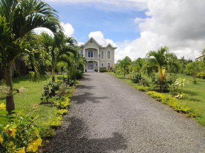 Vue extérieure de la location Location Villa 96166 Grand Baie