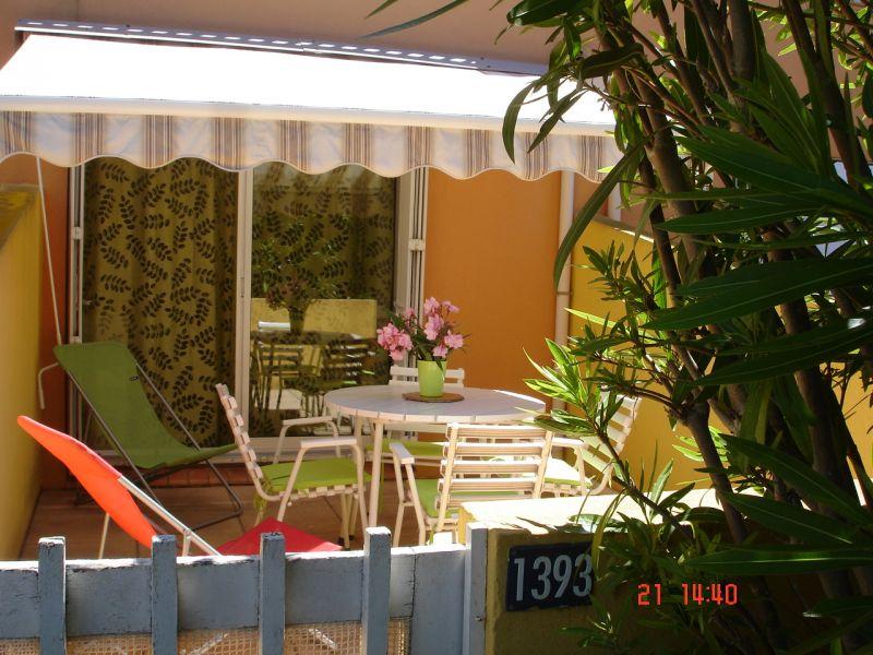 Vue de la terrasse Location Studio 102337 Cap d'Agde