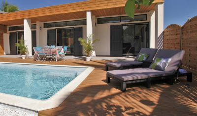 Piscine Location Villa 102442 La Saline les Bains