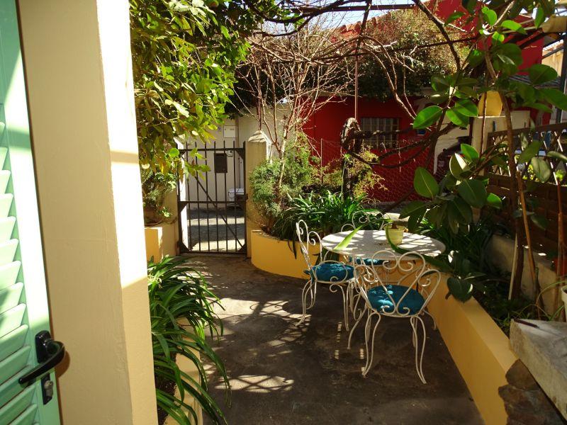 Vue extérieure de la location Location Appartement 106526 Cannes