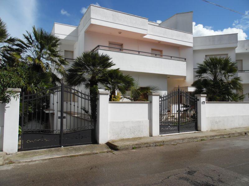 Vue extérieure de la location Location Appartement 108100 Gallipoli