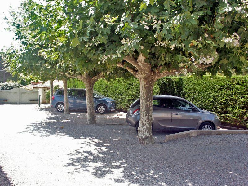 Parking Location Villa 109162 Saint Tropez