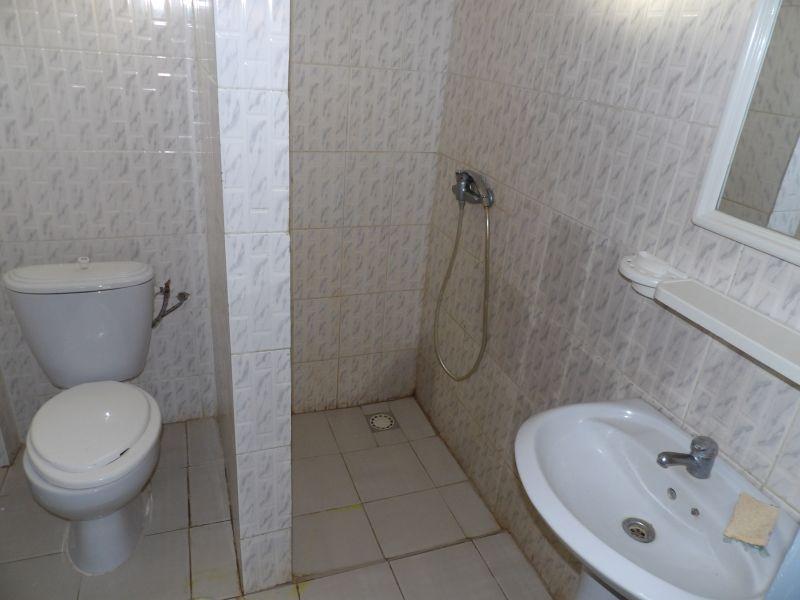 salle de bain 1 Location Appartement 111793 Saly