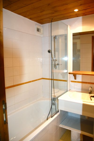 salle de bain Location Appartement 112087 Valmorel