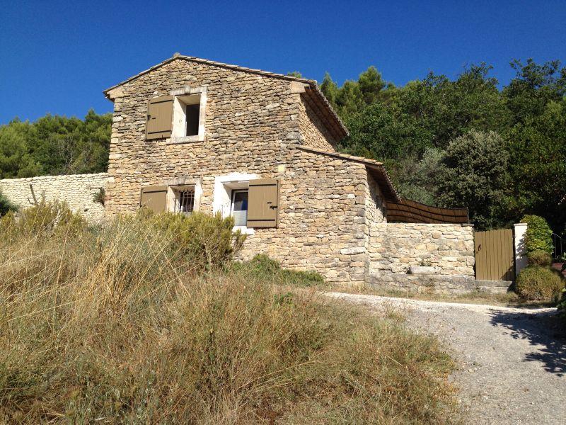 Vue extérieure de la location Location Gite 112198 Ménerbes