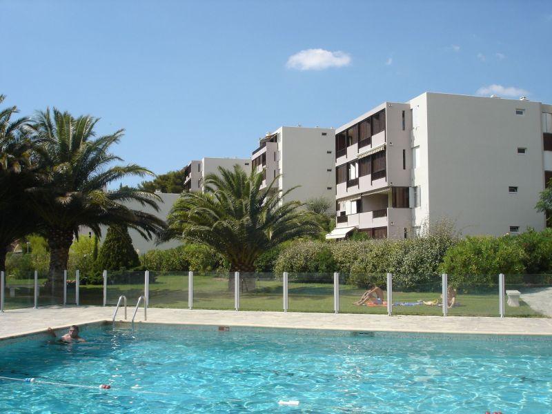 Piscine Location Appartement 112894 Cassis