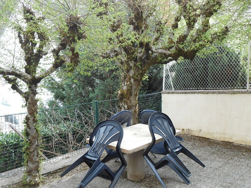 Cour Location Appartement 115202 La Bourboule